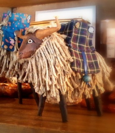 NEW ~ Highland Cattle - 6""